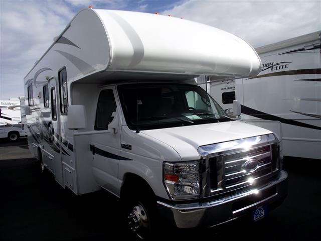 Used 2014 THOR MOTOR COACH Freedom Elite 26T Class C For Sale