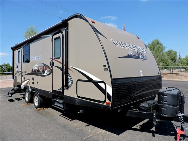 Used 2015 Heartland Wilderness 2550 Travel Trailer For Sale