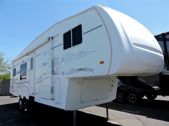 Used 2006 Forest River Wildcat 28RK Fifth Wheel For Sale