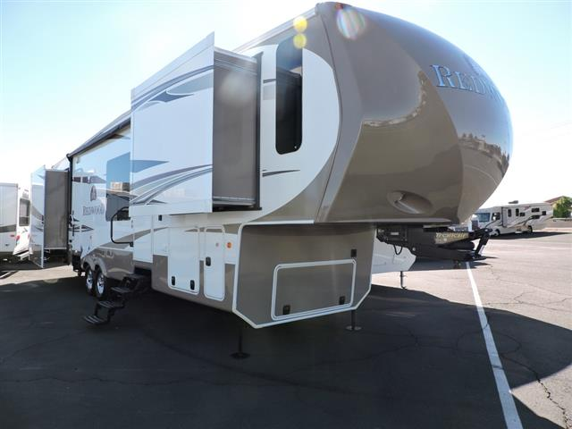 Used 2012 Thor REDWOOD 36FL Fifth Wheel For Sale