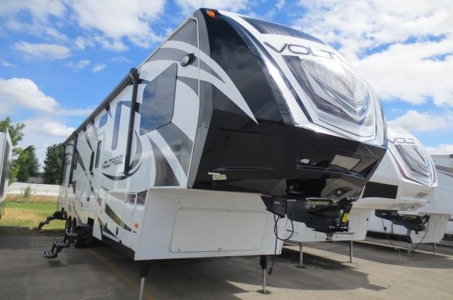 2014 Fifth Wheel Toy Hauler Dutchmen VOLTAGE