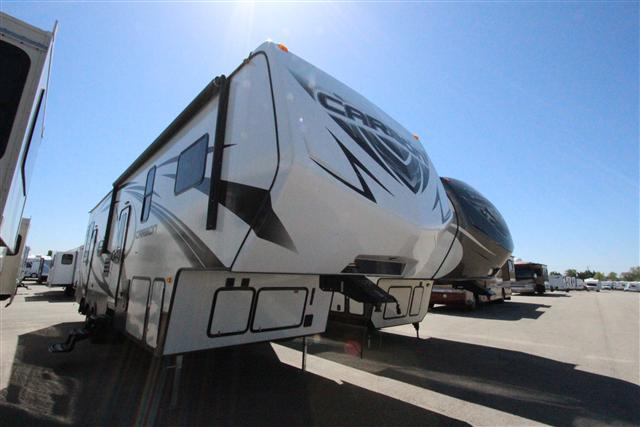 2014 Fifth Wheel Toy Hauler Keystone CARBON