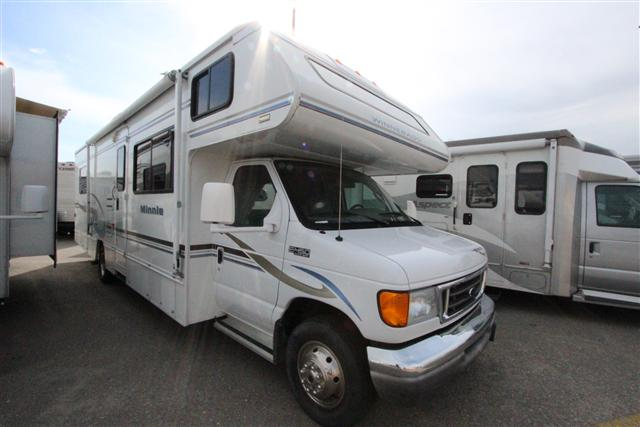 Buy a Used Winnebago Minnie in Meridian, ID.
