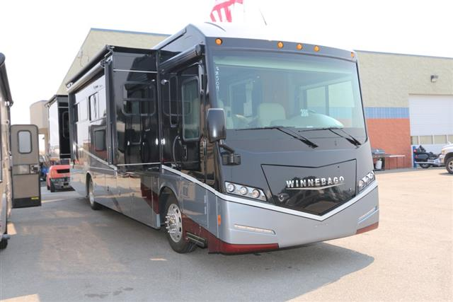 Buy a New Winnebago FORZA in Meridian, ID.