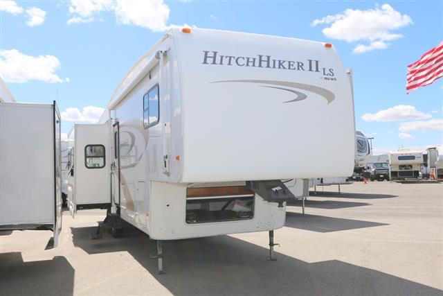 Used 2005 NuWa HITCH HIKER II 34.5 Fifth Wheel For Sale