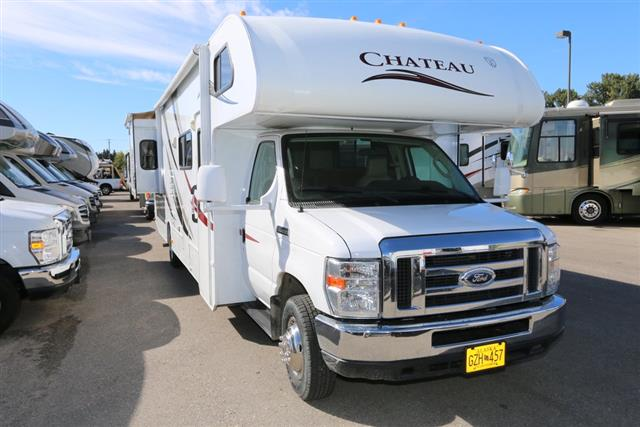 Used 2013 Thor Chateau 31L Class C For Sale