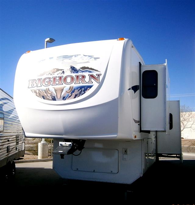Used 2008 Heartland Big Horn 3055 RL Fifth Wheel For Sale