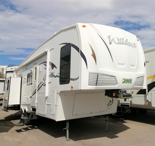 Used 2009 Forest River Wildcat 30LSBS Fifth Wheel For Sale