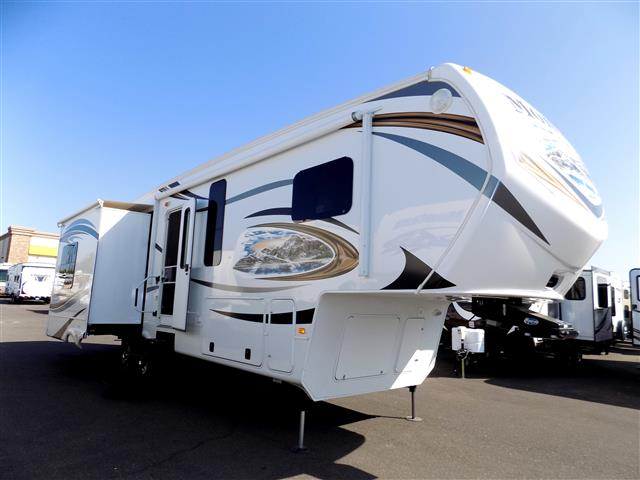 Used 2014 Keystone Montana 3100RL Fifth Wheel For Sale