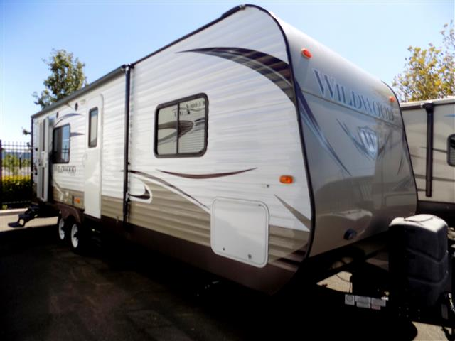 Used 2014 Forest River Wildwood 26RKSS Travel Trailer For Sale