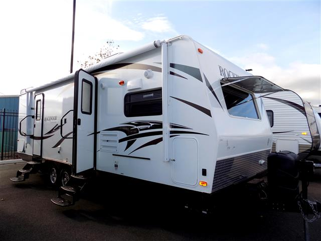 Used 2011 Forest River Rockwood 8244S Fifth Wheel For Sale
