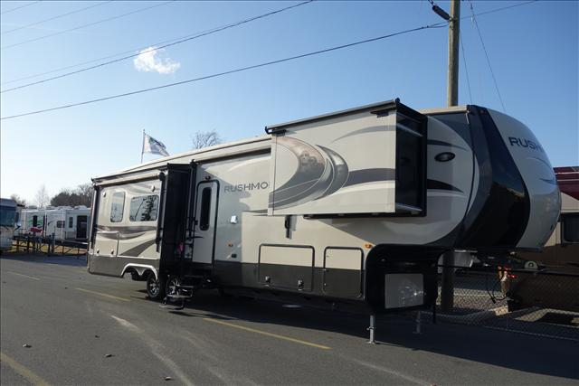 Used 2013 Crossroads Rushmore 39 Fifth Wheel For Sale