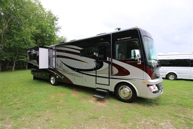 Used 2013 Fleetwood Bounder 36R Class A - Diesel For Sale