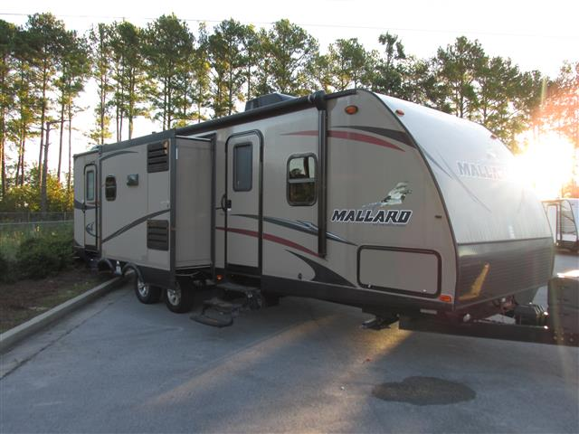 Used 2015 Heartland Mallard 30M Travel Trailer For Sale