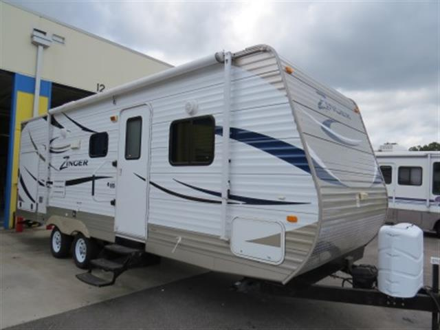 Used 2012 Crossroads Zinger 25RB Travel Trailer For Sale