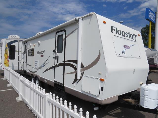 Used 2011 Flagstaff Flagstaff M-26RLSS Travel Trailer For Sale