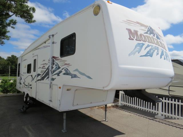 Used 2004 Keystone Montana 3255RL Travel Trailer For Sale