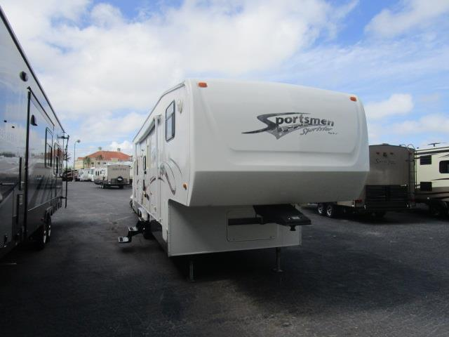 Used 2006 SPORTSMEN Sportster 33' Fifth Wheel Toyhauler For Sale
