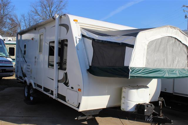 Used 2010 Palomino Stampede M-238 Travel Trailer For Sale
