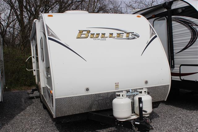 Used 2011 Keystone Bullet 215RBS Travel Trailer For Sale