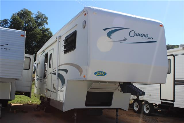 Used 2001 Carriage Cameo Lxi F27RKS Fifth Wheel For Sale