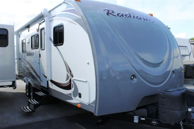 Used 2014 Shadow Cruiser RADIANCE 27RBSS Travel Trailer For Sale
