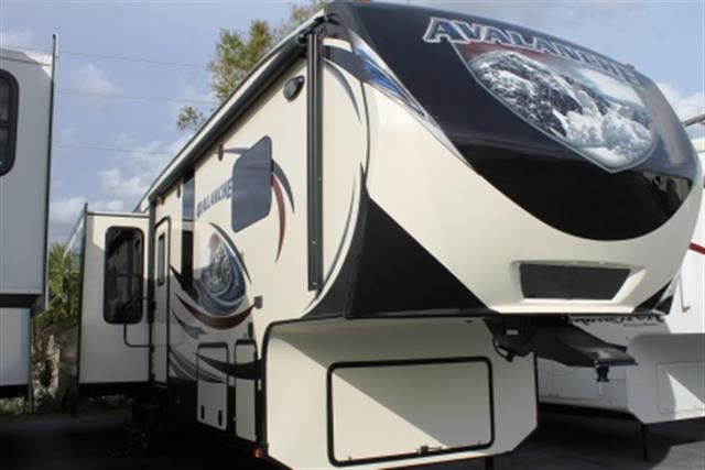 2014 Keystone RV Avalanche