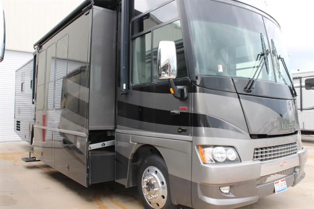 2007 Winnebago Adventurer