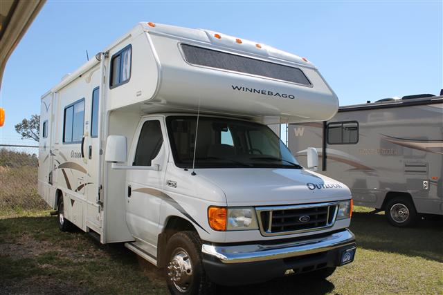 2006 Winnebago Outlook