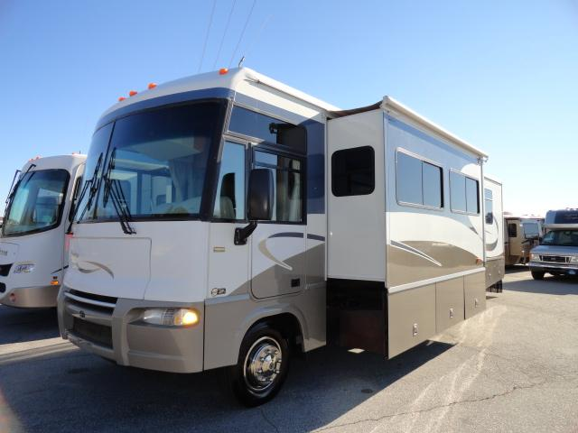 Buy a Used Itasca Sunrise in Hendersonville, NC.