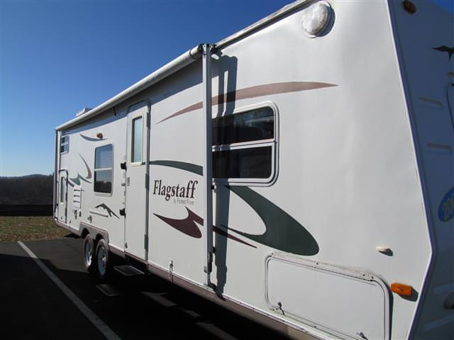Used 2006 Forest River Flagstaff 829BHSS Travel Trailer For Sale
