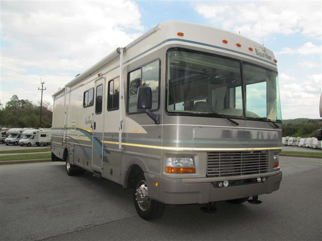 Used 2000 Fleetwood Bounder 31W Class A - Gas For Sale