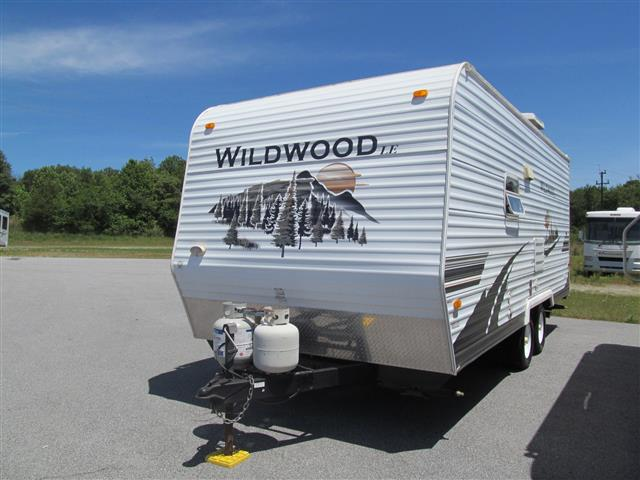 Used 2007 Forest River Wildwood 19RB Travel Trailer For Sale