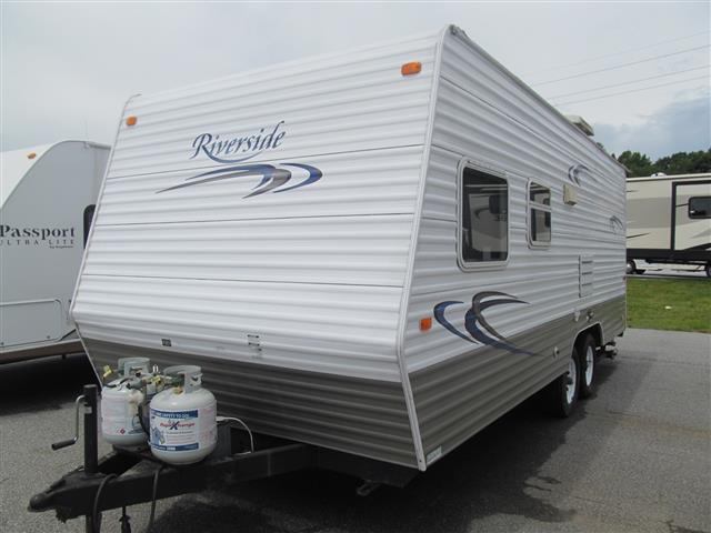 Used 2006 Adventure Mfg Riverside 21FL Travel Trailer For Sale