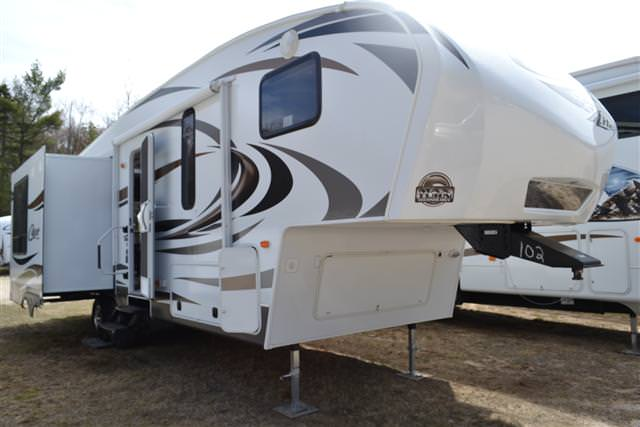 2014 Fifth Wheel Keystone Cougar