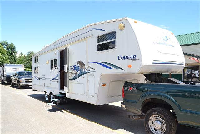 Used 2001 Keystone Cougar 281EFS Fifth Wheel For Sale