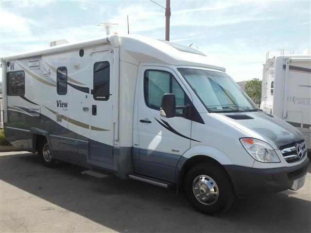 Buy a Used Winnebago View in St. George, UT.