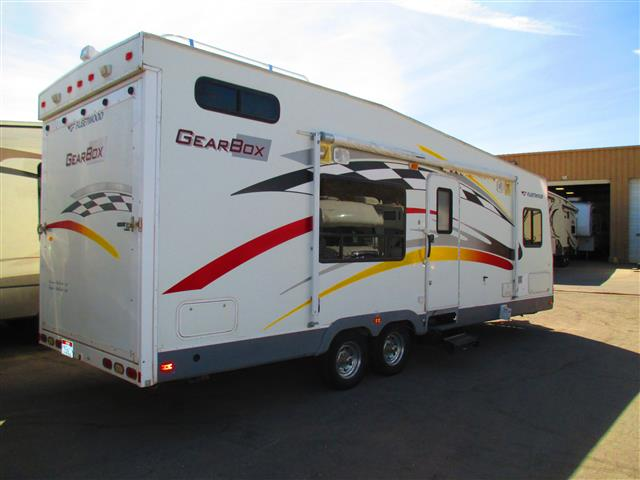Used 2005 Fleetwood GearBox 260FB Travel Trailer Toyhauler For Sale