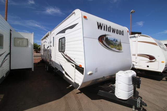 Used 2013 Forest River Wildwood 27RLSS Travel Trailer For Sale