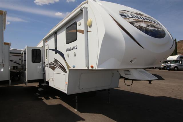 Used 2011 Heartland Sundance 3200RE Fifth Wheel For Sale