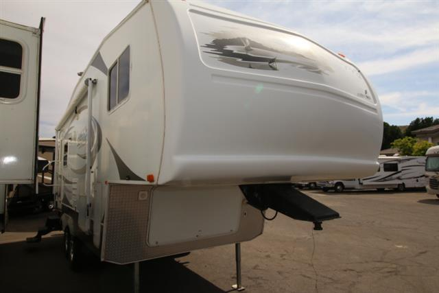 Used 2007 Forest River Sandpiper 24RL Fifth Wheel For Sale