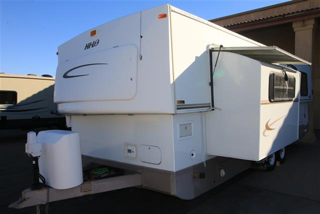 Used 2004 Hi Lo Classic 2804C Travel Trailer For Sale