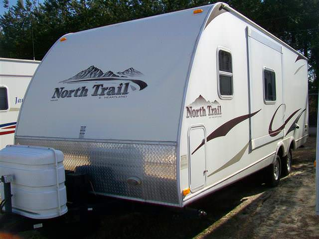 Used 2009 Heartland Northtrail 22FBS Travel Trailer For Sale