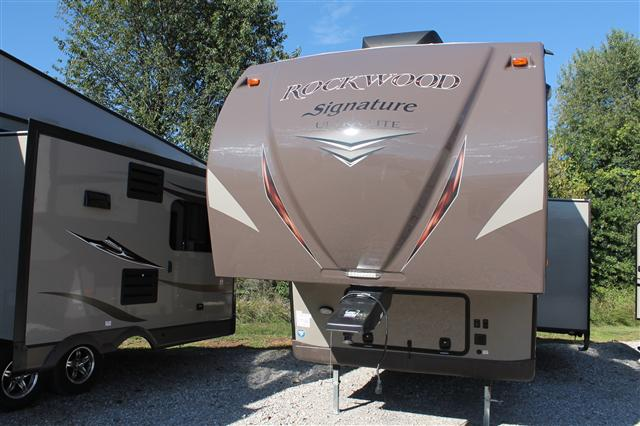 2015 Forest River Rockwood Signature Ultra Lite