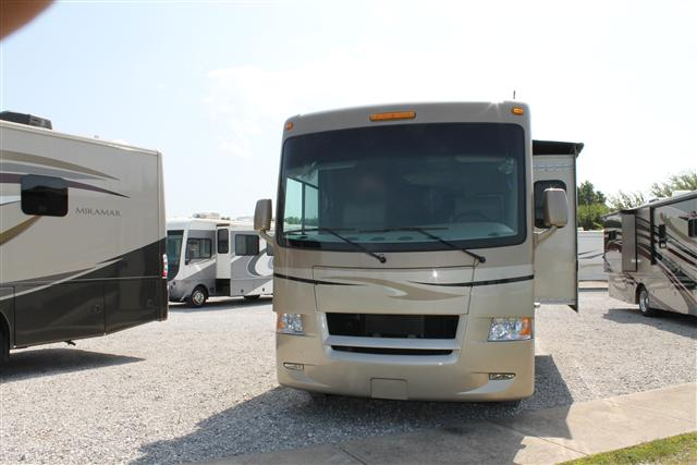 Used 2011 Thor Hurricane 31J Class A - Gas For Sale