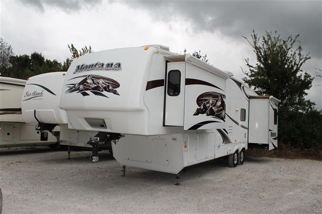 Used 2009 Keystone Montana 3465SA Fifth Wheel For Sale