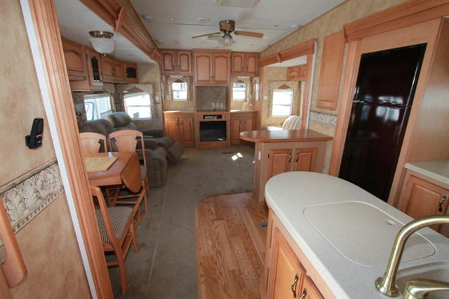 Used 2006 Keystone Everest Fifth Wheel Trailer For Sale In