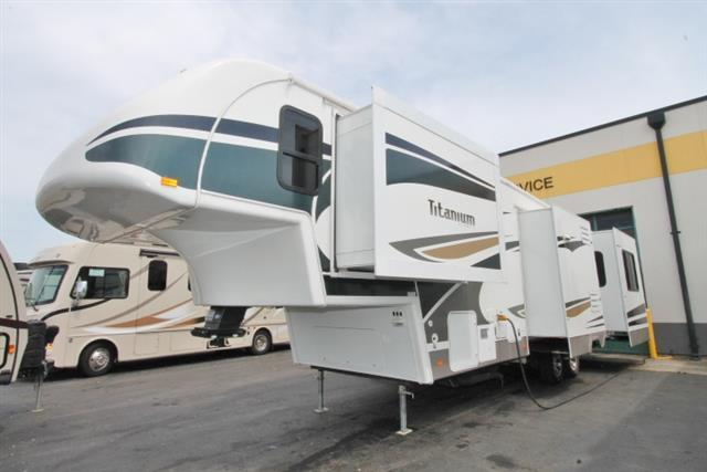 Used 2008 Glendale Titanium 34RE Fifth Wheel For Sale
