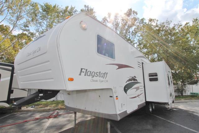 Used 2009 Flagstaff Classic 8528CKSS Fifth Wheel For Sale