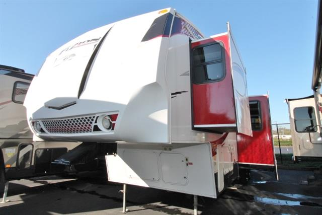 Used 2010 Keystone Fuzion 322 Fifth Wheel Toyhauler For Sale